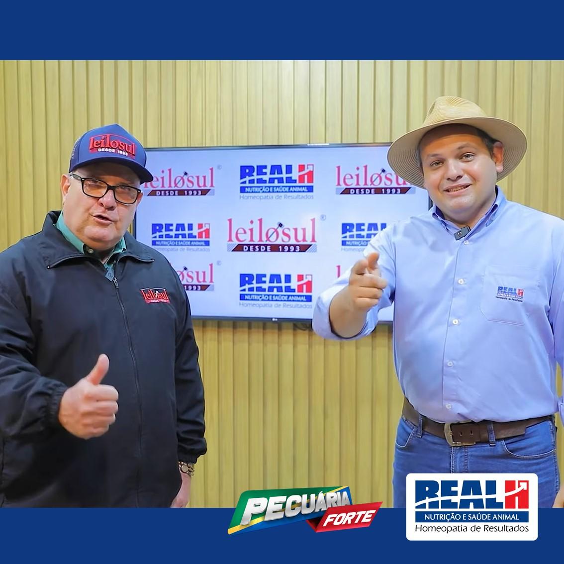 O Repórter Dener Dias, da Real H, e Marcos Soriano no estúdio da Leilosul